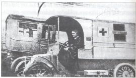 Marie en un coche radiologico, durante la Segunda Guerra Mundial